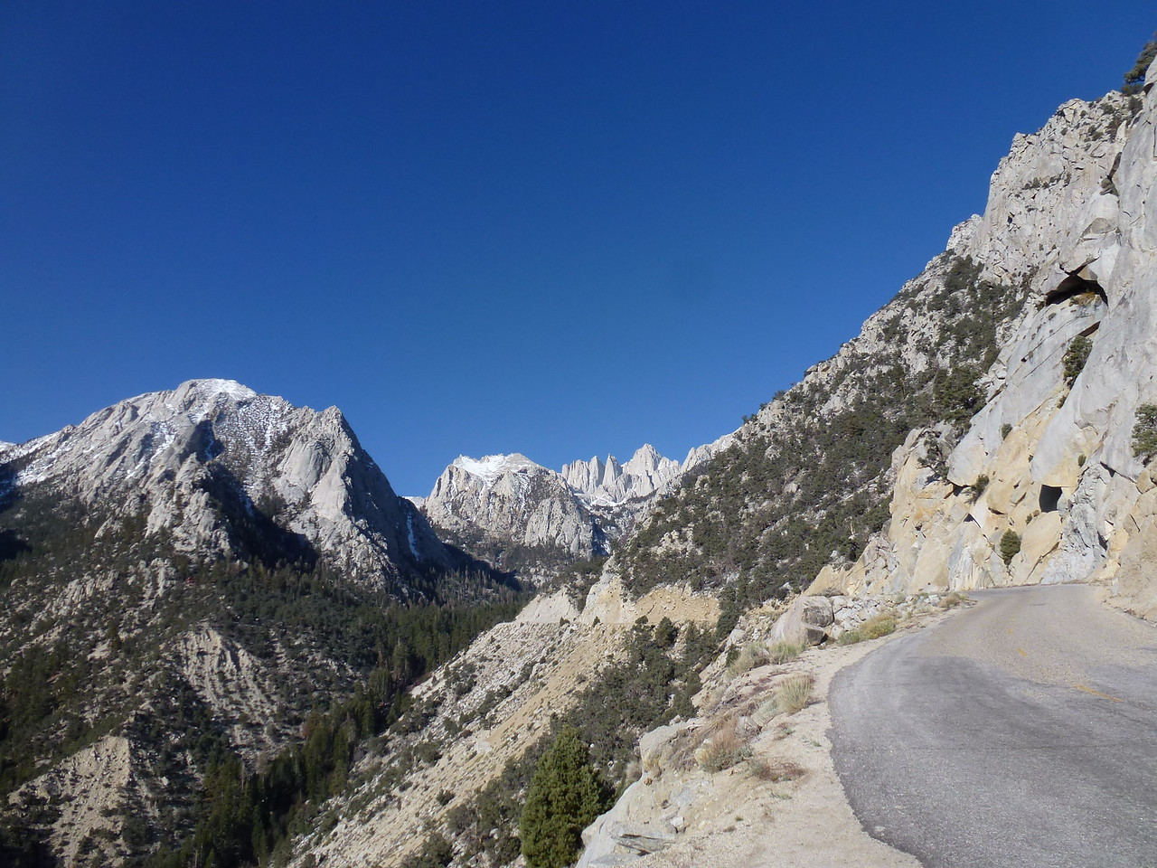 Mt. Whitney <br /> <br /> This is the portal road , that I had wanted to see for so long .<br /> <br /> Mt. Whitney in the center .