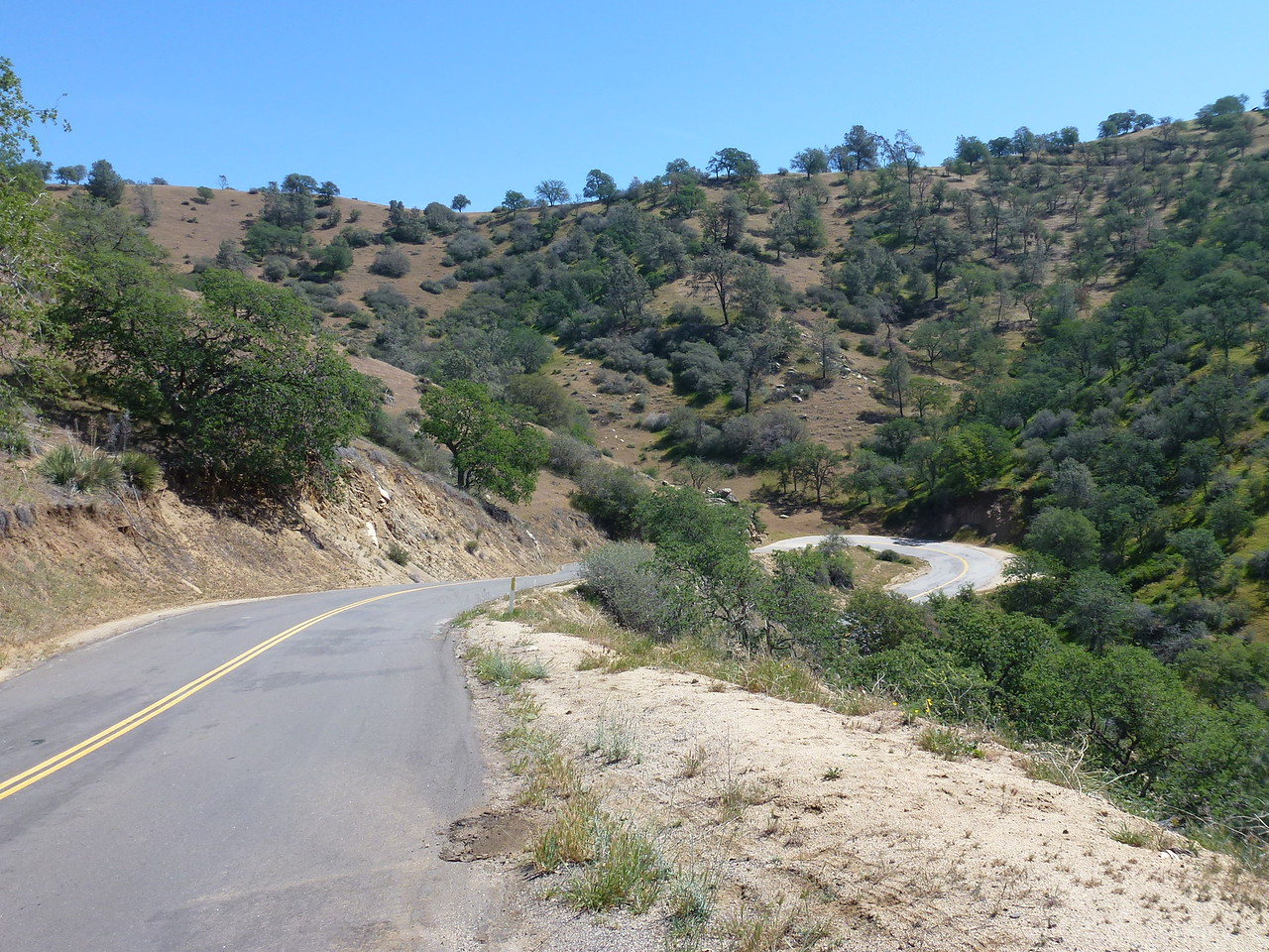 Next morning , I found some sweet California roads to travel on .<br /> <br /> Greenhorn Mountains -heading for Bakersfield , Ca.