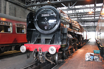 4-6-2 70013 'Oliver Cromwell'  17/05/11.