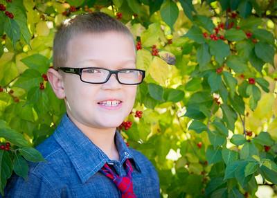 Adam in Berries crop (1 of 1)