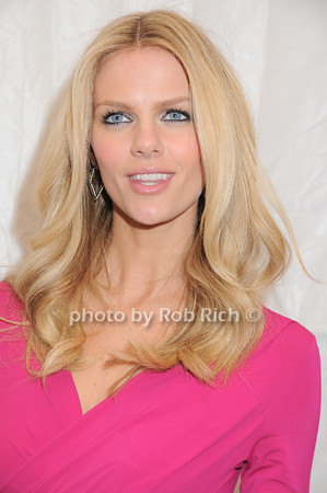 Brooklyn Decker<br /> photo by Rob Rich © 2010 robwayne1@aol.com 516-676-3939