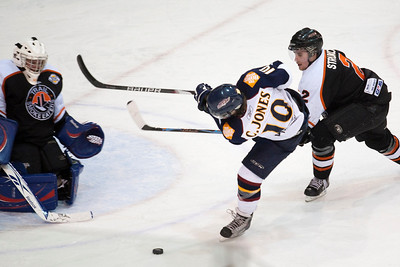 Vernon Vipers vs. Trail Smoke Eaters