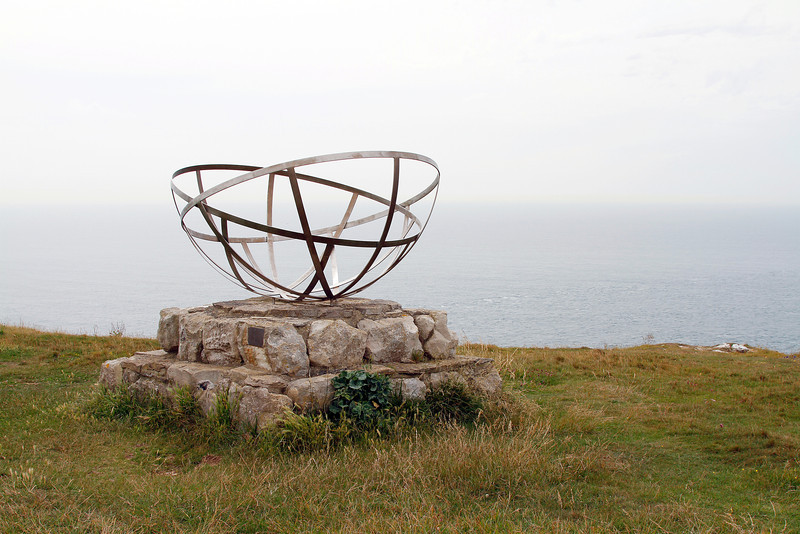 Memorial to those who developed radar at the nearby research station during the Second World War.