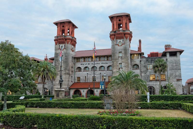 Hotel Alcazar building