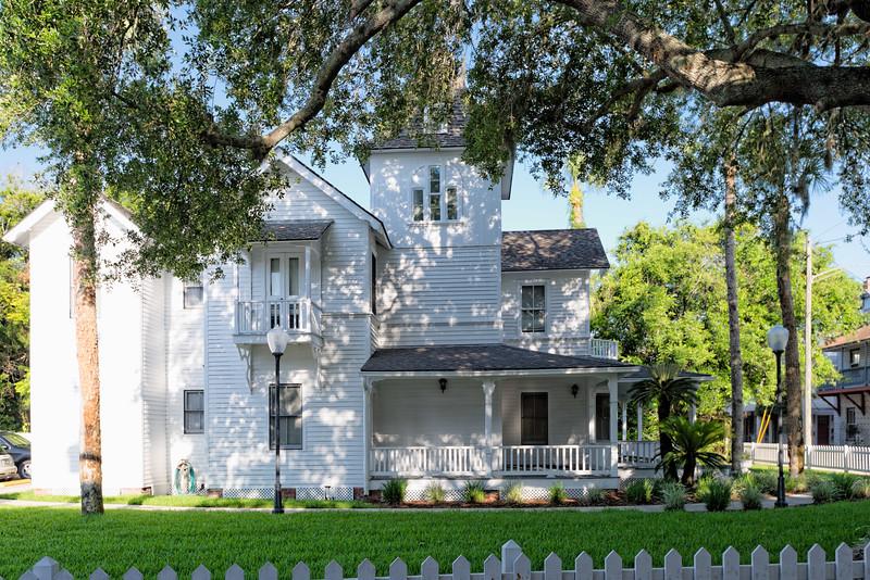 Checchi House