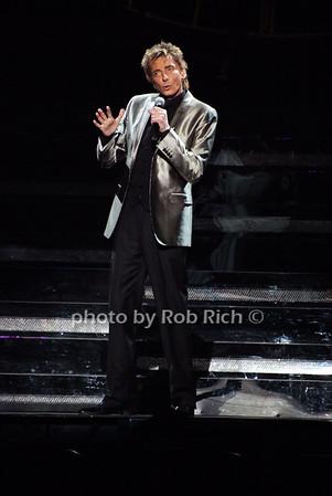 Barry Manilow photo by Rob Rich © 2009 robwayne1@aol.com 516-676-3939