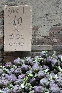 Artichokes Siena, Italy