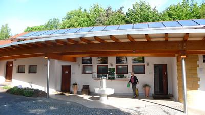 Bildergalerie unter Dach; suche: SaniGal_Aussen für die 4 Bilder in der Galerie.
