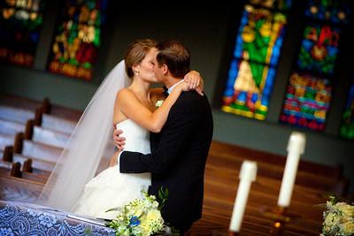 Stephanie Bialik and Michael Kochorek wedding in Calgary, Alberta. Photo by Mark Adams for Bebb Studios.
