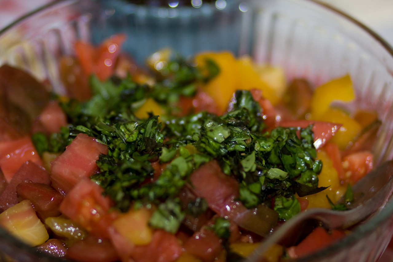 Tomatoes and basil, yum.