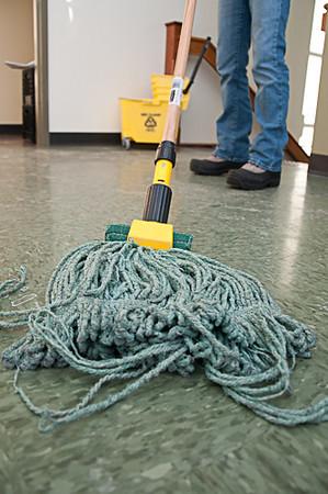 GJ4_Mop Floor 2