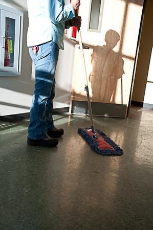 GJ4_Sweep Floor Shadow