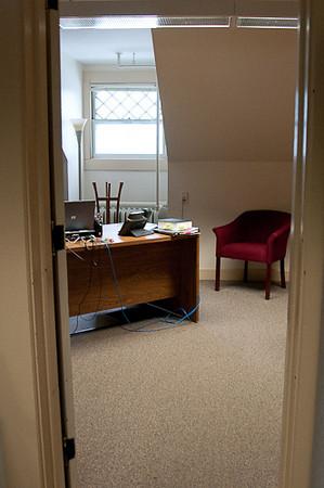 GJ2_Clean Office