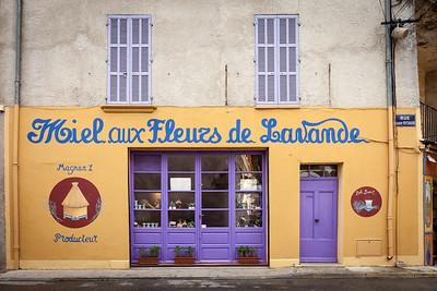 Honey shop in centre of Valensole, Alpes-de-Haute-Provence, Provence, France