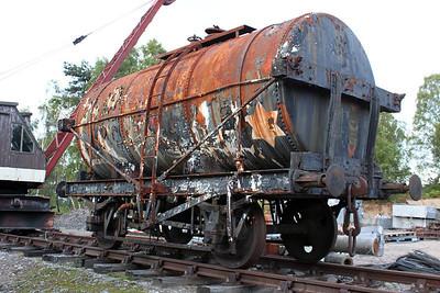 14t BP Oil Tank 164403 (7264) at Boat of Garten, Strathspey, 25/06/11