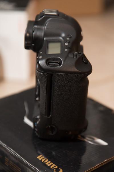 IMAGE: http://www.holzphotoclient.com/Other/Stuff-for-sale2/12614/i-89rJfLx/0/L/1dsiii004-L.jpg