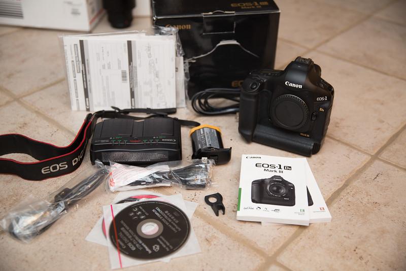 IMAGE: http://www.holzphotoclient.com/Other/Stuff-for-sale2/12614/i-v32Kv5k/0/L/1dsiii001-L.jpg