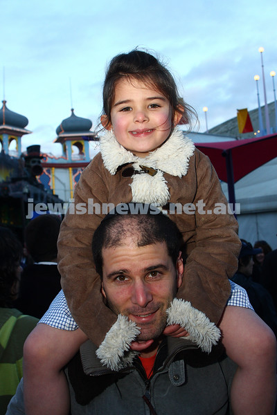 Chabad Youth. Sukkot at Luna Park 2009. Ariela and Mark Franks. photo: peter haskin