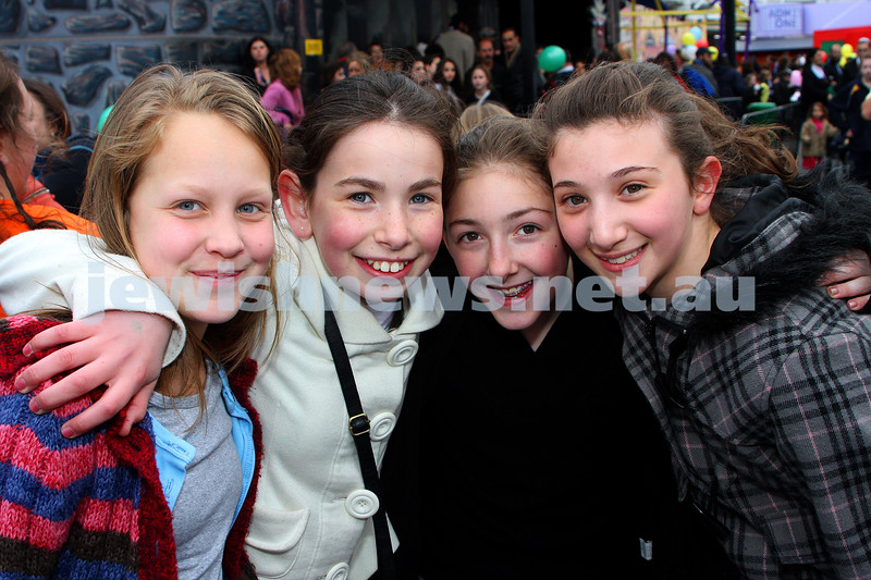 Chabad Youth. Sukkot at Luna Park 2009. From left:  Devorah Leventhal, Dina Wajsvort, Tzippy Jacobs, Zina Lewis. photo: peter haskin