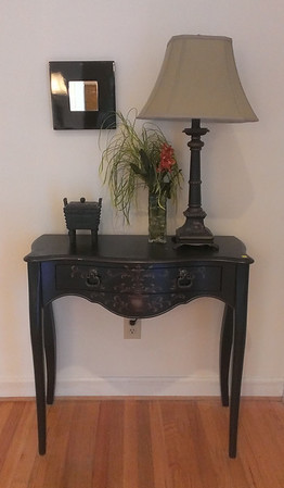 Nice decorator entry table