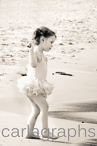 Stella on the Beach full BW-
