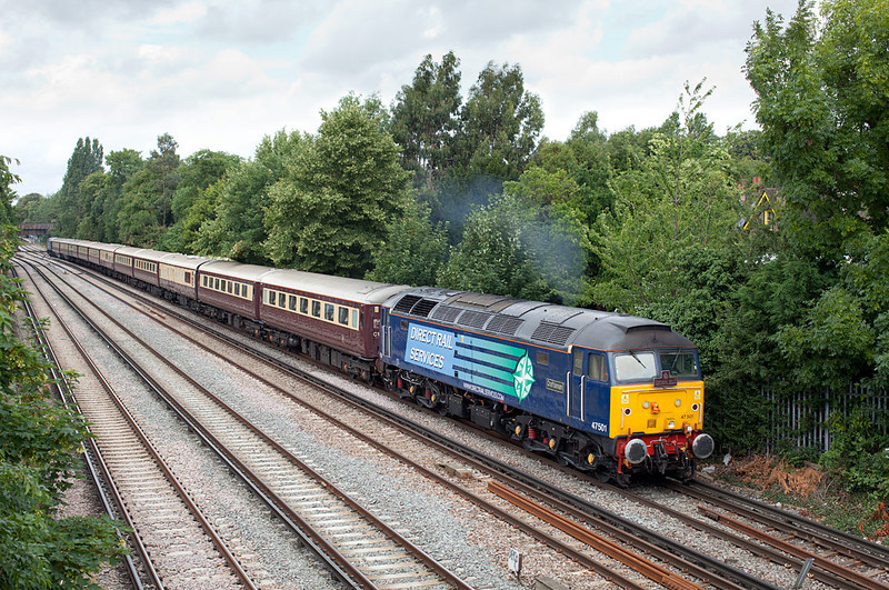 47501 accelerates towards Putney with the 1Z29 06.44 Nottingham-Kensington Olympia Northern Belle working.8.7.11