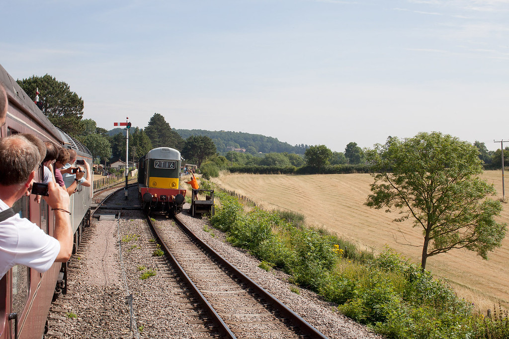 A Summer Saturday in the Cotswolds '2013 style', 47376 waits for 20137 (D1837) to pass Gotherington loop with the 11.24 Laverton-Cheltenham racecourse service. 27.7.13