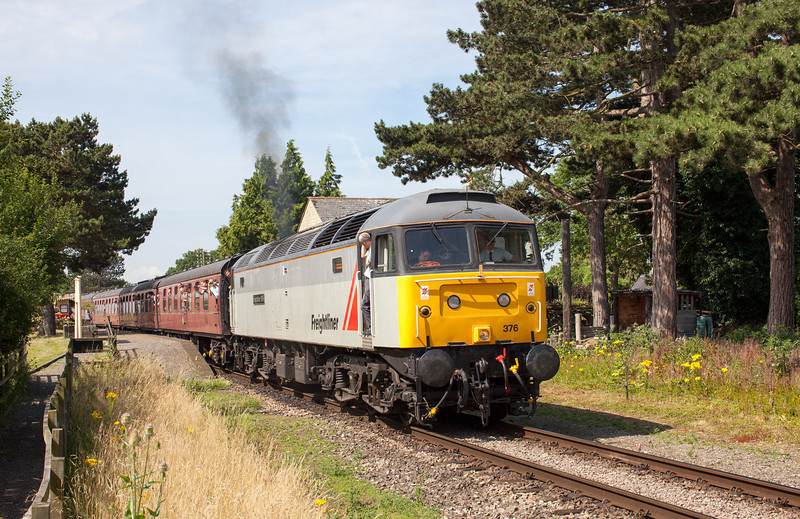 In incredible July heat, 47376 leaves Gotherington with the 10.50 Cheltenham Racecourse-Laverton service. 27.7.13