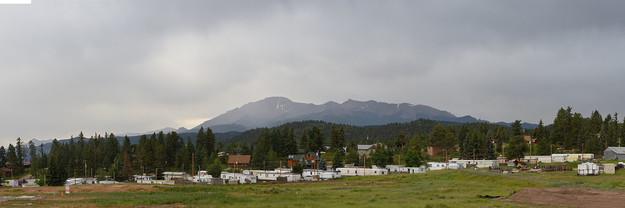 DSC_8406--8413 Pikes Peak from Woodland Park