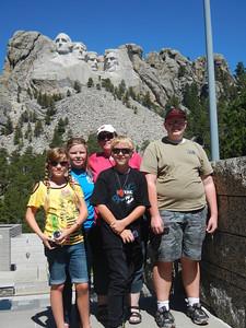 Hannah, Aliison, Twila, Brendan, Todd at Mt. Rushmore
