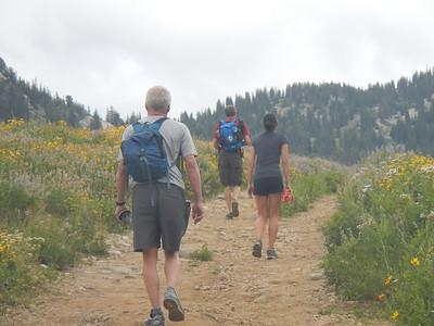 Hiking to Cecret Lake.