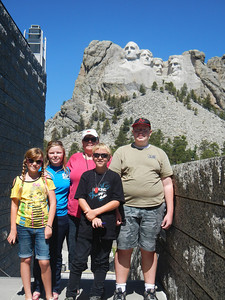 Hannah, Allison, Twila, Brendan, Todd at Mt. Rushmore