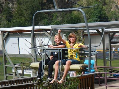 Brendan & Hannah on chairlift