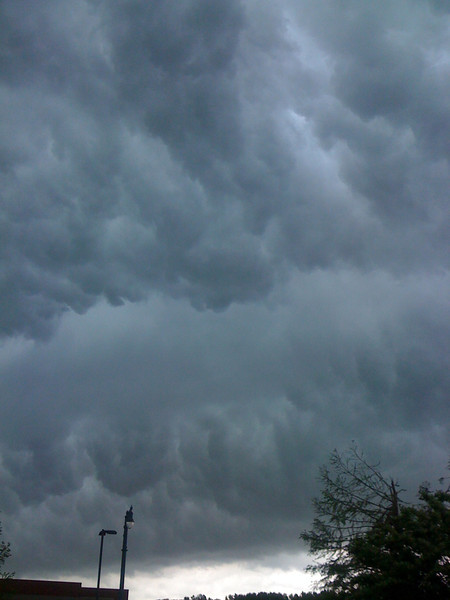 April storms moving in, Collierville, TN