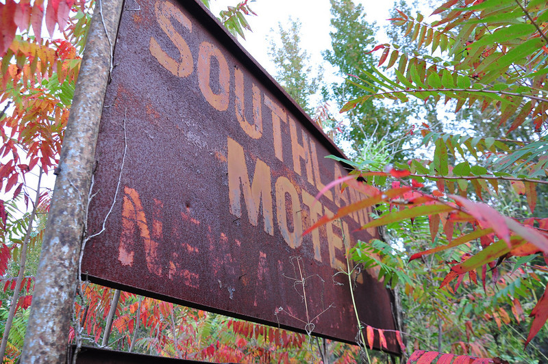 Motel sign - Red Banks, MS