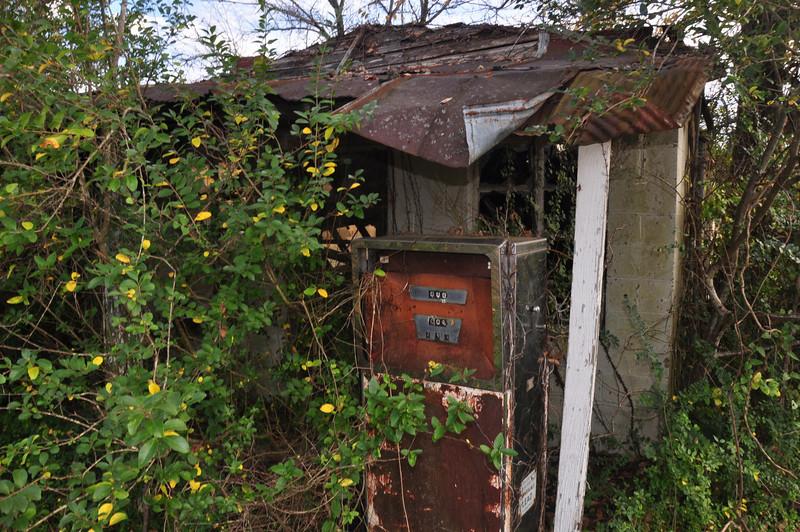 Old gas station Macon, TN