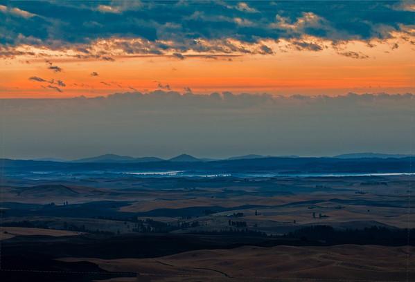 Mists of Sunrise from Steptoe Butte