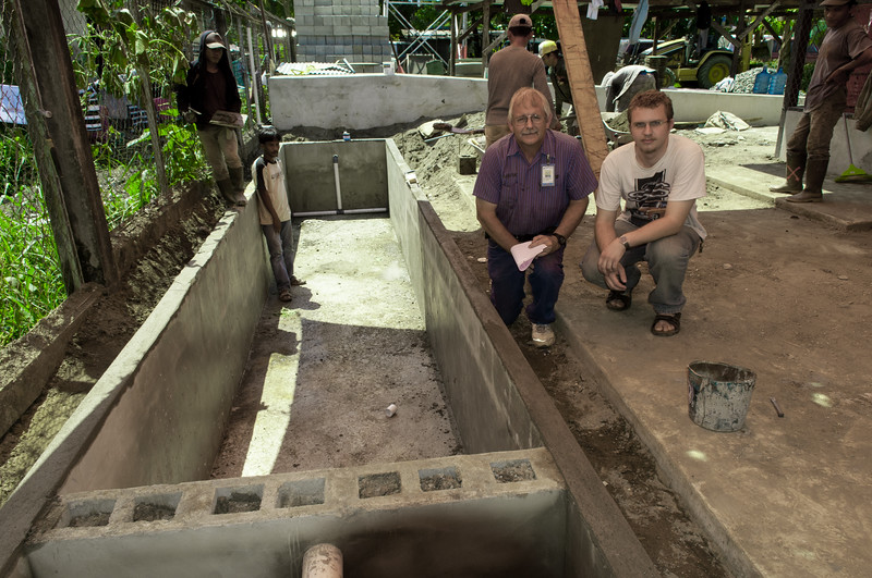 Construction of a Horizontal Sub-Surface Flow wetland for sustainable and environmentally friendly wastewater treatment, at YAJASI in Sentani, Papua, 2010. [Papua Sentani 2010-05 010 YAJASI_SSFCW]