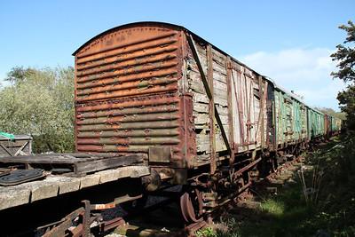 12t Non Vent Plank 872042/iu041421 at Eldon Sidings  10/05/14.