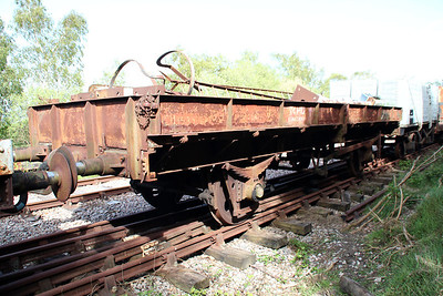 22t Steel Plate Open DB935708/iu024761 at Eldon Sidings  10/05/14.