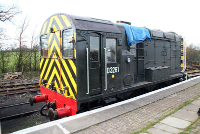 Class 08 D3261 at Hayes Knoll Station   15/03/14