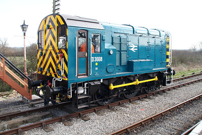 Class 09 D3668 (09004) at Hayes Knoll Station   15/03/14