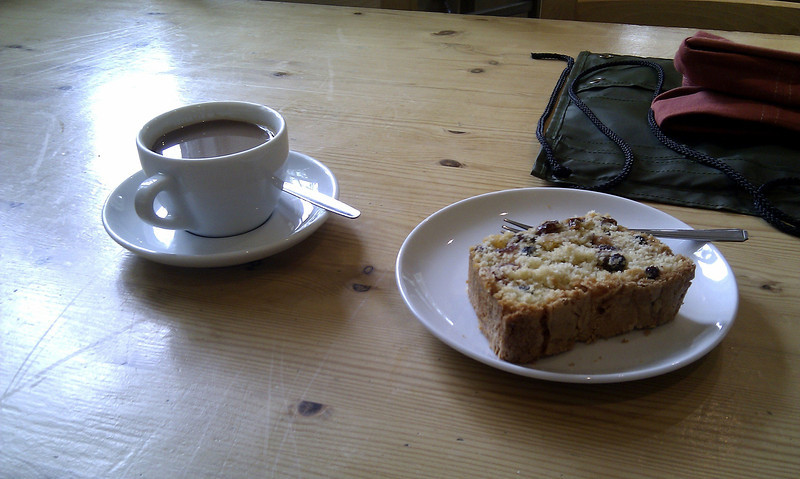 A welcome coffee and cake in the Kimmeridge tea-rooms.