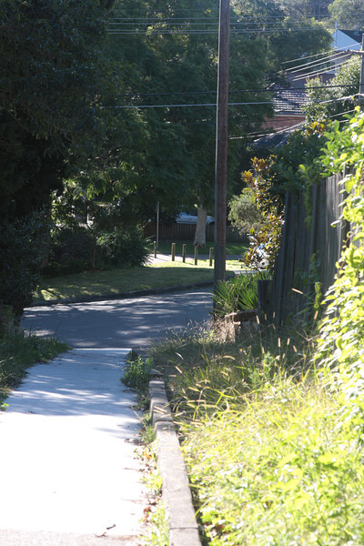 This path runs very close to the original middle road of the Zig Zag.