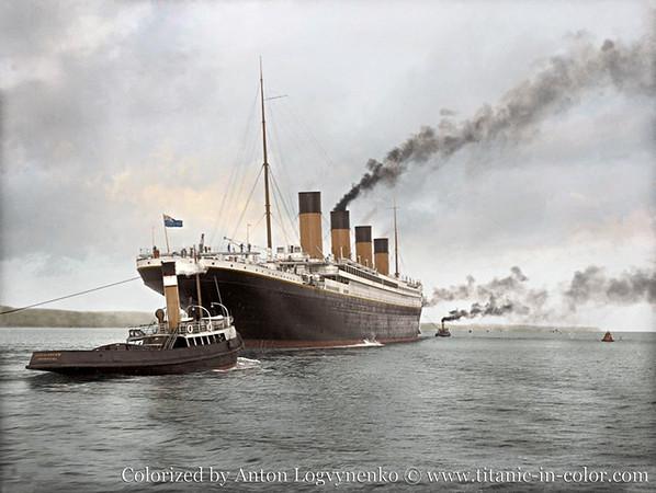TITANIC sailing.