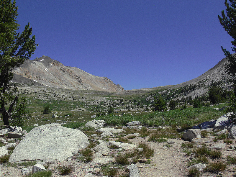 Here's Taboose Pass and the one area where I was plagued by mosquitos, but this time it's cool and breezy so there's no trace of them. No wild, reckless plunge along the trail THIS time...