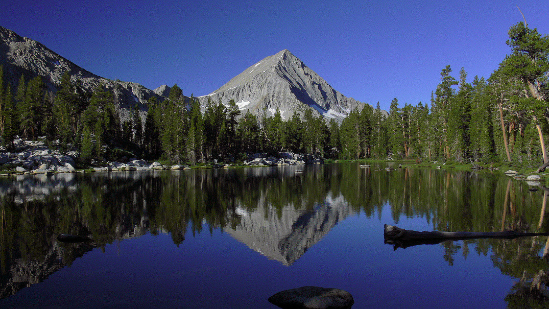 """And the last photo of my lakelet, once again in 16:9 """"panoramic"""" ratio. A vision I will not soon forget."""