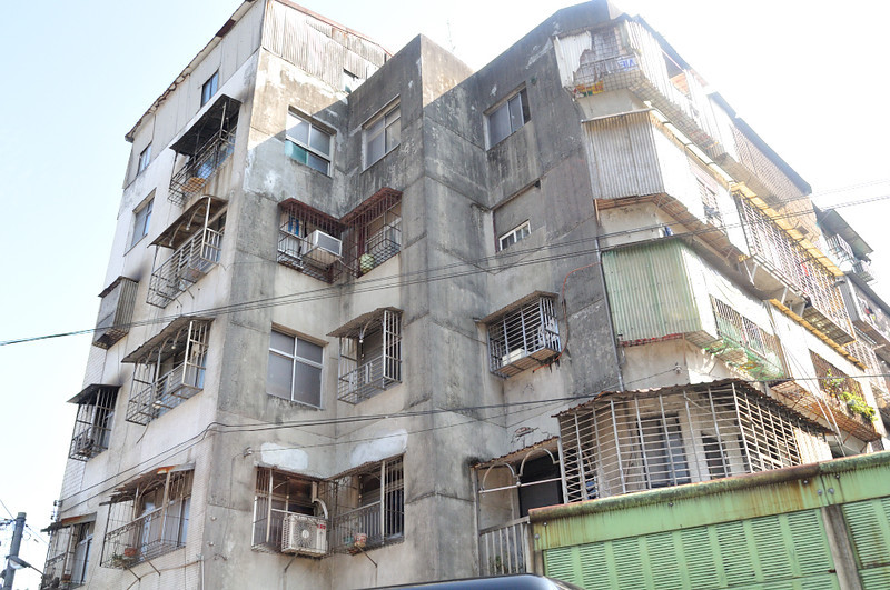 yes, some run down buildings, but solid concrete to withstand quakes and typhoons