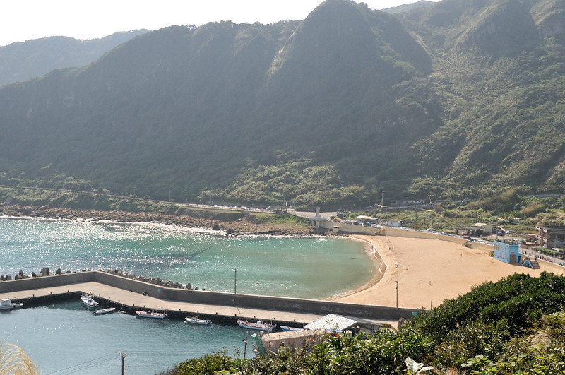 The north coast. Taiwan is a mountainous country with little area for dwellings.