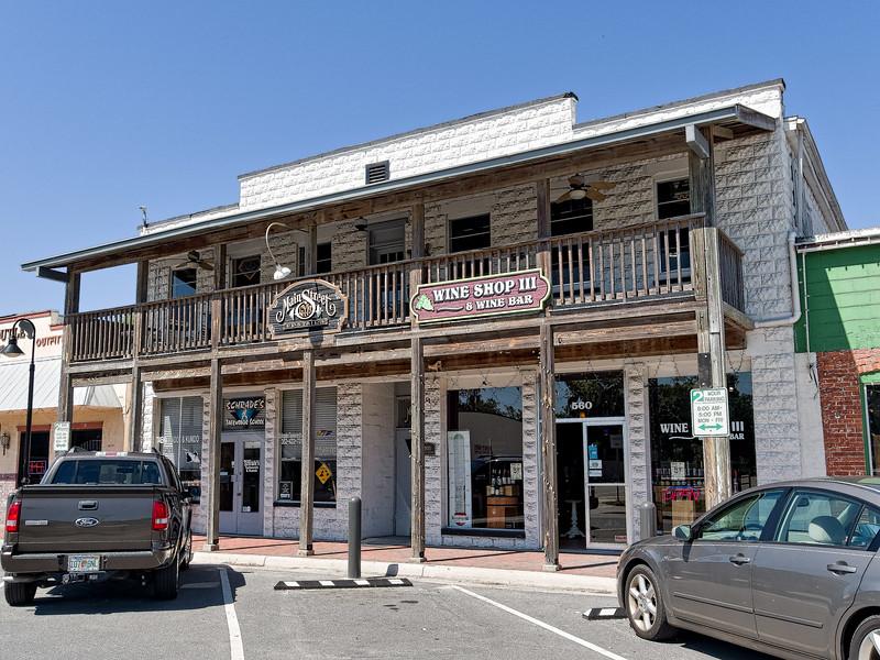 Crystal River Citrus Avenue Stores